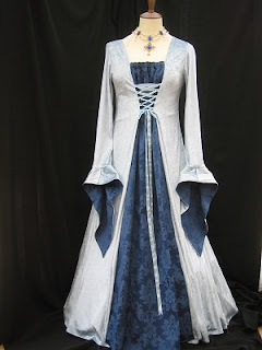 fotos de modelos de Vestidos Medievais