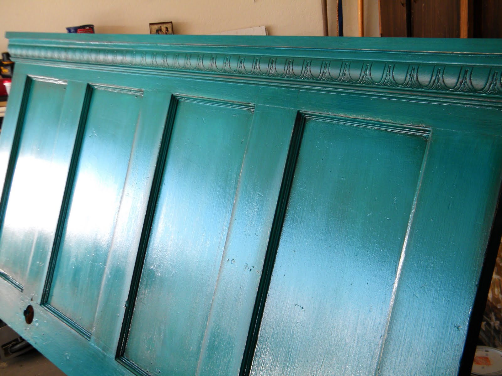 The handcrafted life i just can 39 t help myself for How to make a headboard out of a door