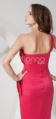 Une épaule de satin plissé corsage genou longueur robe de bal