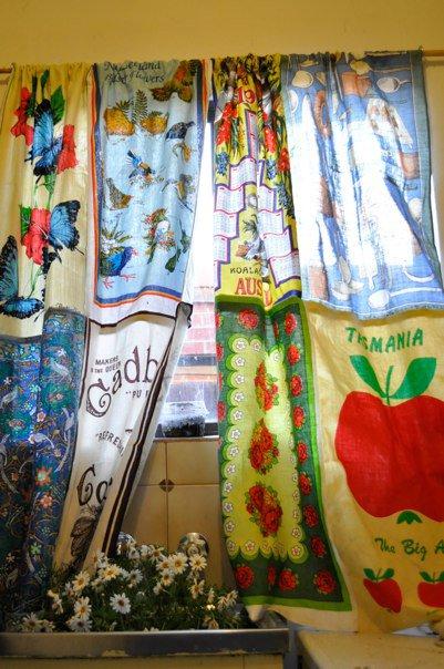 I Dream of Decor: Found! Fun Kitchen Curtain Fabric