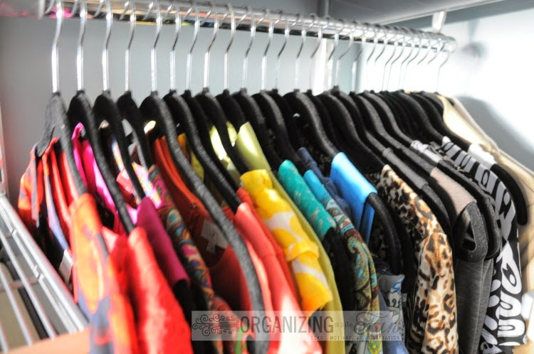 Organize dresses by color to help coordinate outfits more easily :: OrganizingMadeFun.com