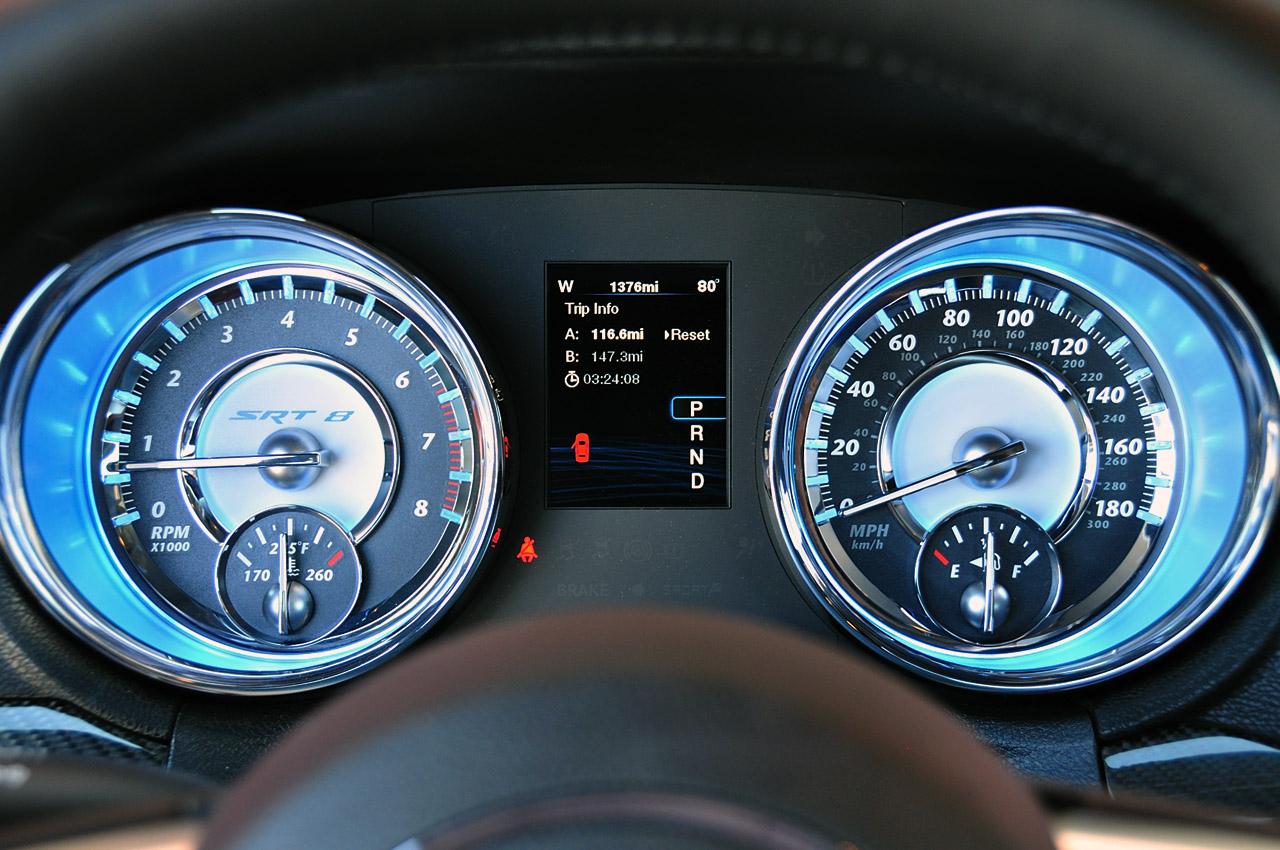 Carsin 2012 Chrysler 300 Srt8