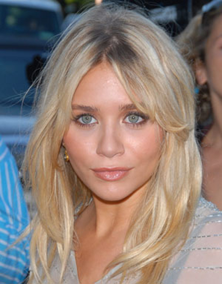 Ashley Olsen soft tousled texture gives great body to her layered hairstyle.