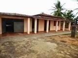 Vende-se uma casa no bairro do Coqueiro, em Mairi