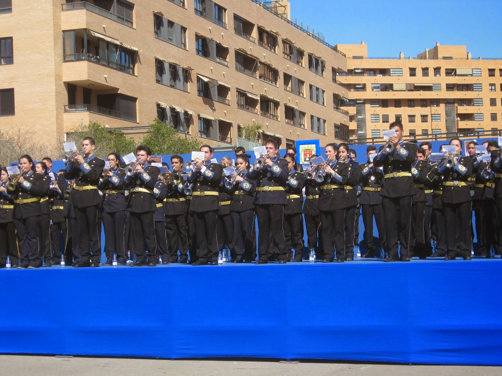 https://www.facebook.com/pages/Costaleros-Cristo-de-las-Penas-Alicante/316963581717511?fref=ts