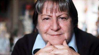 Gloria Fuertes, alguien que no podemos dejar pasar al olvido.