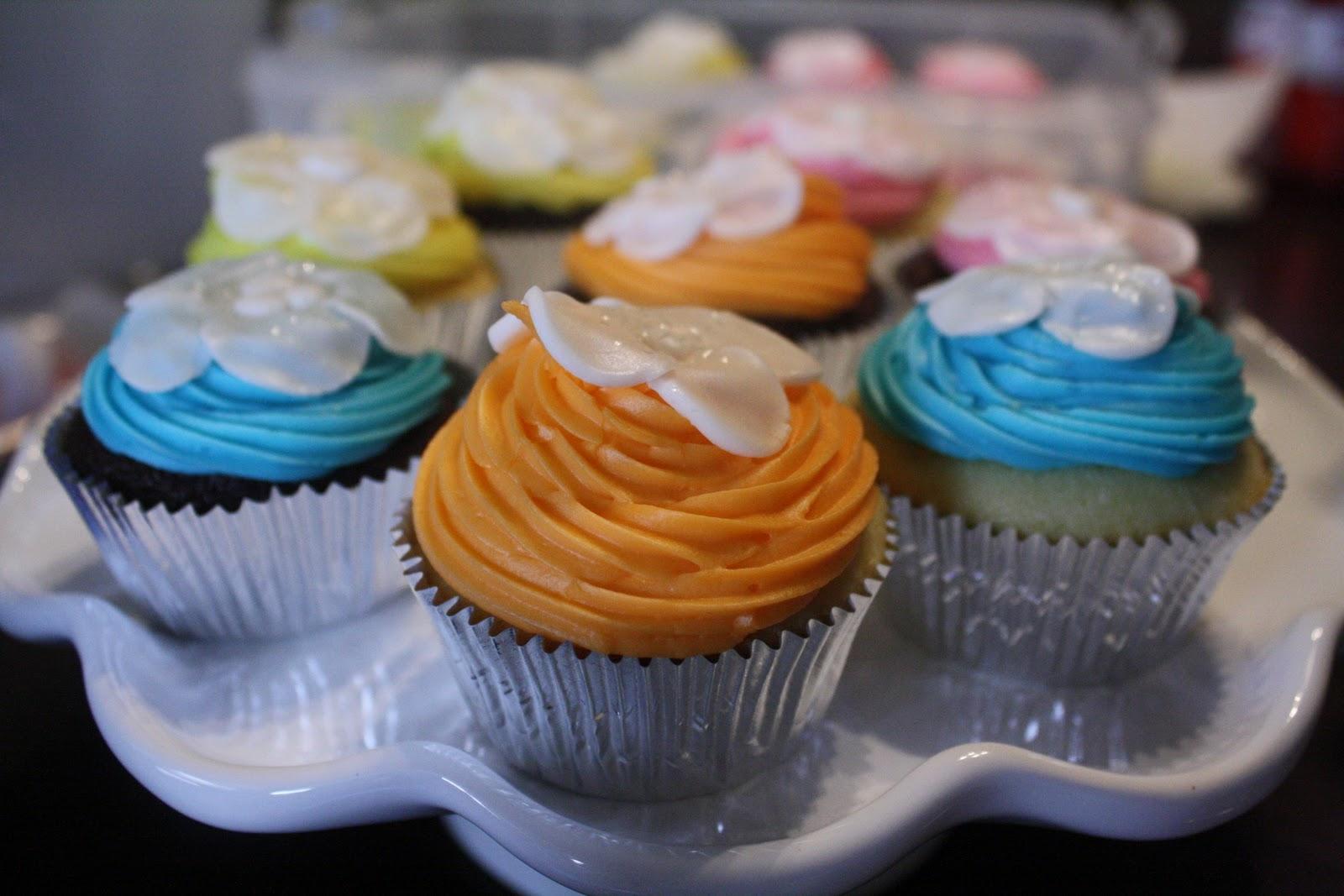 once upon a cupcake hawaiian wedding cupcakes