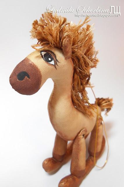 мягкая игрушка лошадка-качалка кофейные игрушки