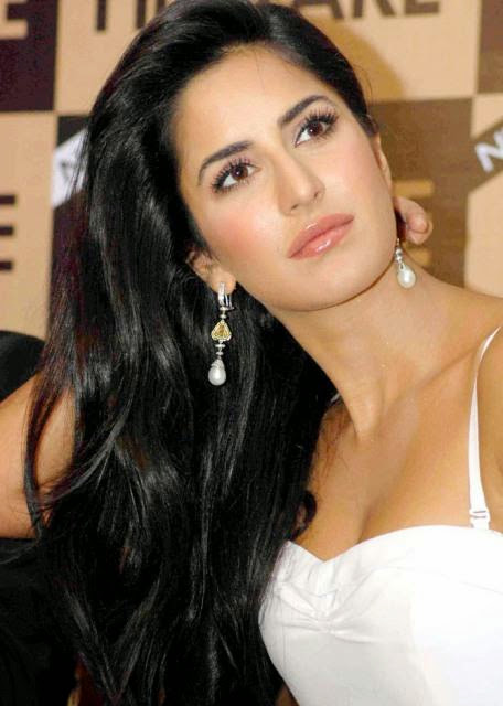 Hot And Sexy Katrina Kaif Photos Wallpapers Pics Images hot images