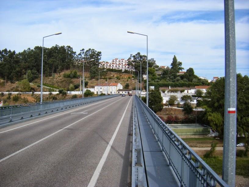 Ponte sobre o Rio Zêzere em Constância