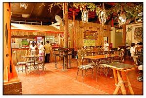 Zoobic Safari Buho Grill