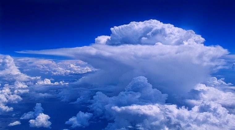 gambar awan comulonimbus