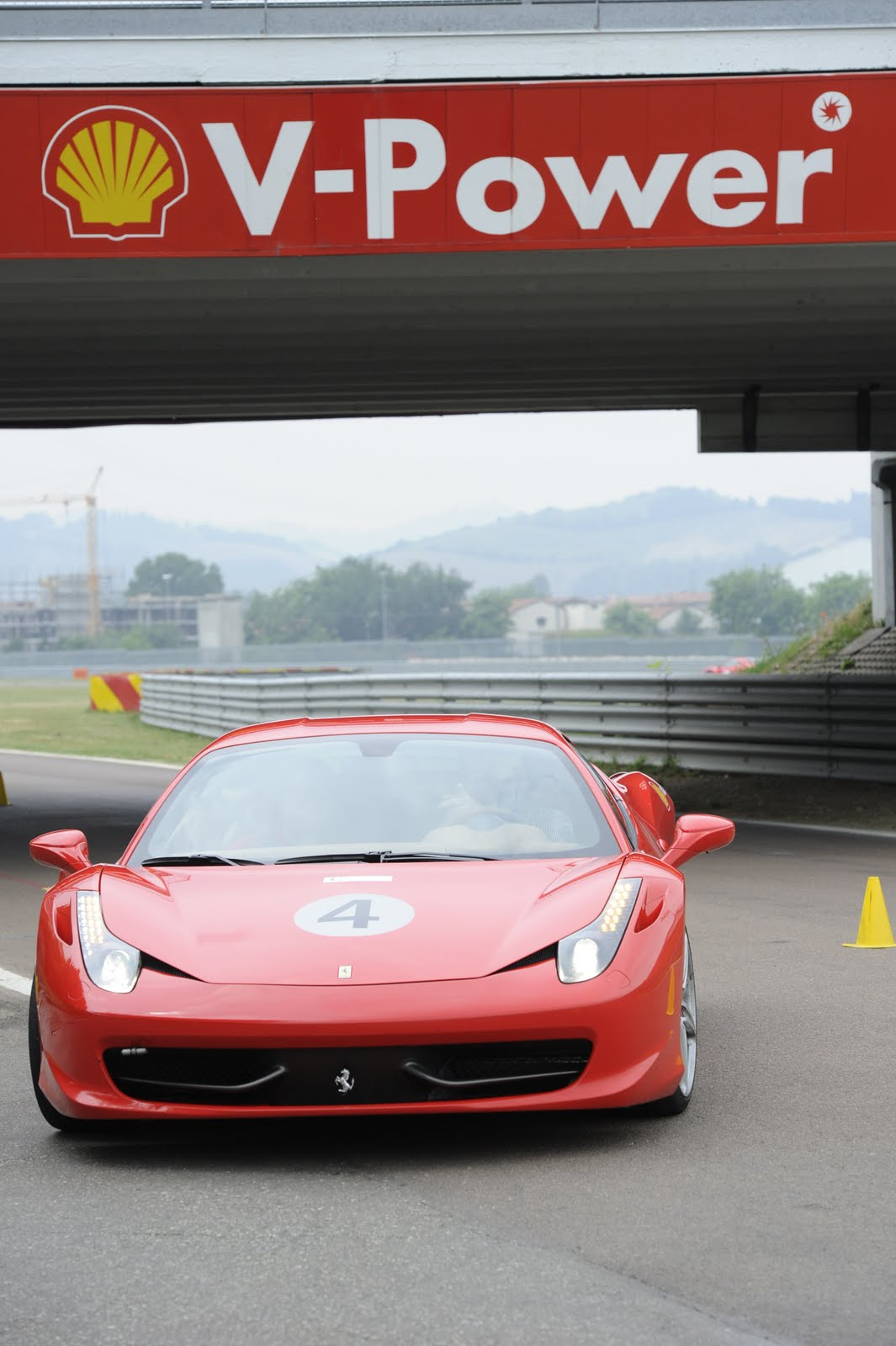Ferrari 458 Italia vs Vauxhall