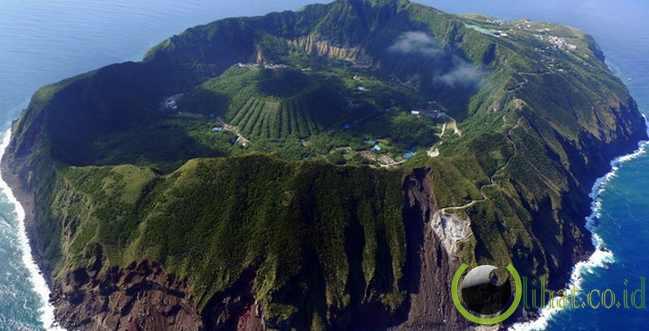 Kawah Aogashima, Jepang