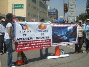 MÉXICO / Cerco humano a Televisa en plena fiesta olímpica