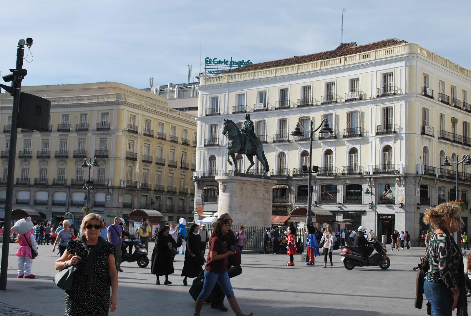 Socalgalopenwallet madrid puerta del sol for Puerta del sol 9 madrid
