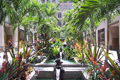 The Hopeful Traveler The Channel Gardens At Rockefeller