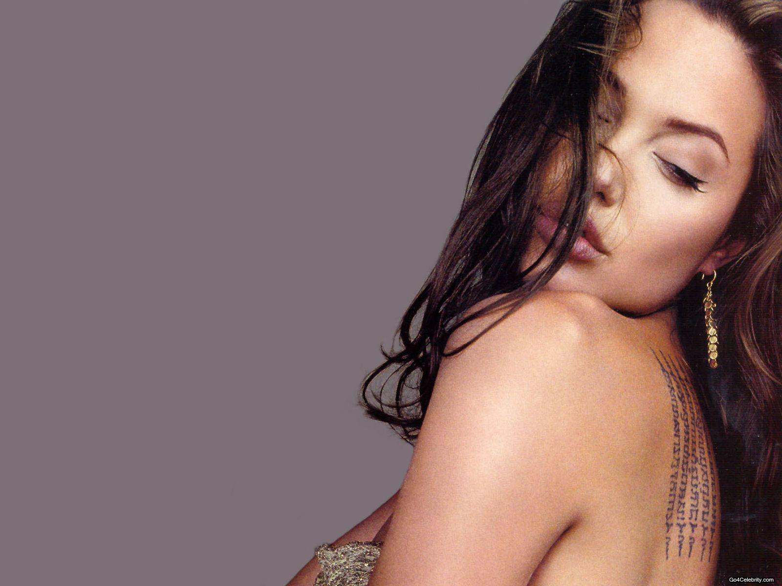 Hot And Sey Angelina Jolie