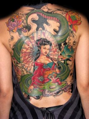 Tattoos nas Costas Femininas