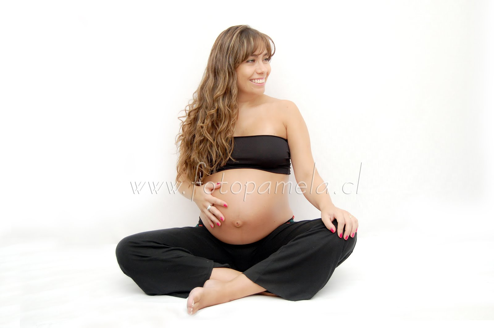 sesion ropa negra embarazada foto estudio