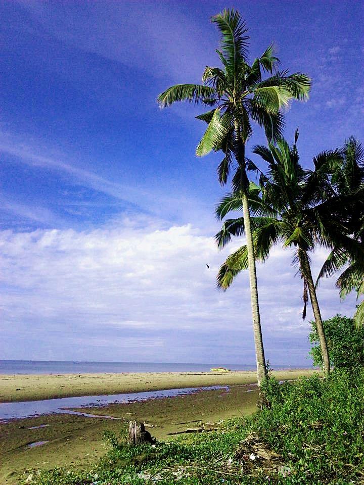 pantai pagatan tanah bumbu kalimantan selatan