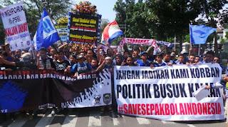 Ribuan Bobotoh Persib Gelar Aksi Demo