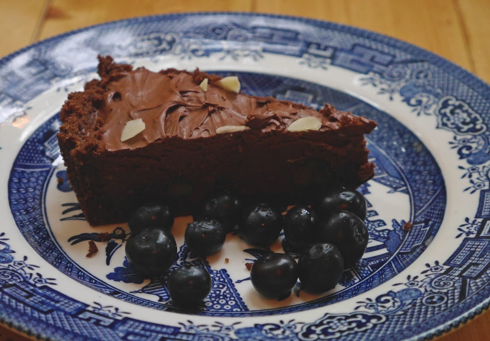 No bake blueberry and chocolate tart