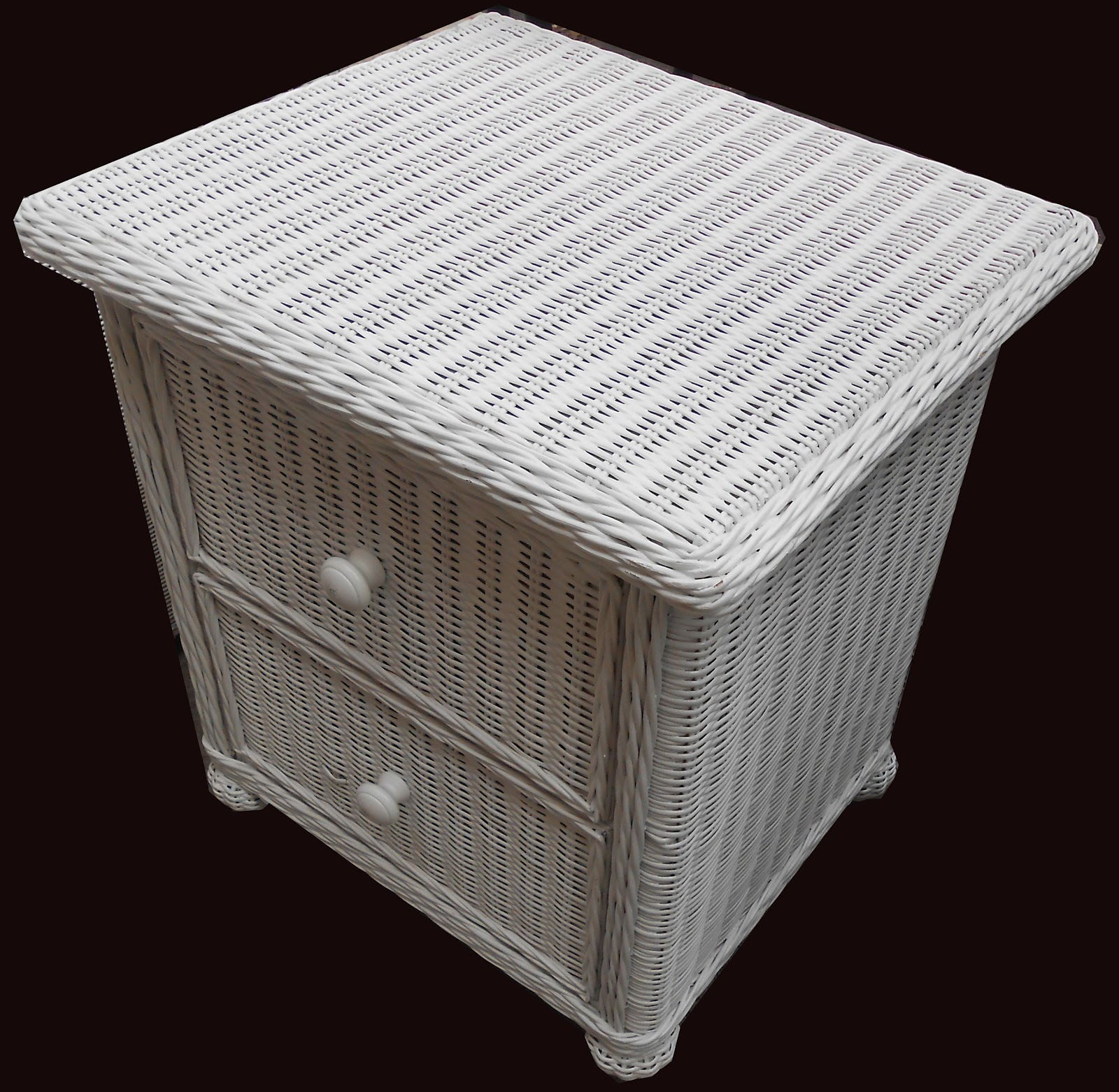 Uhuru Furniture Collectibles 3 Piece White Wicker Bedroom Sold