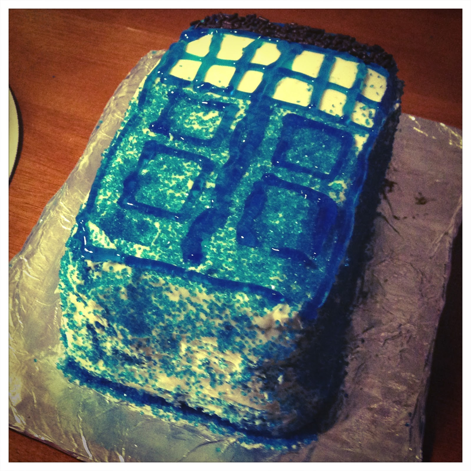 Niki jin crafts a gallery of geeky cakes for Tardis template for cake