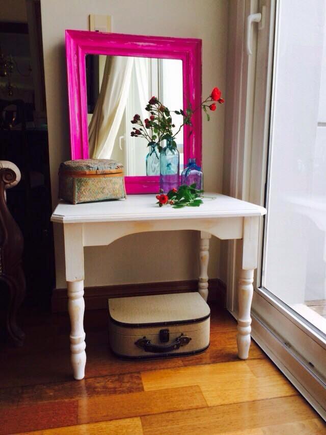 Vintouch muebles reciclados pintados a mano mesa for Mesa comedor espejo