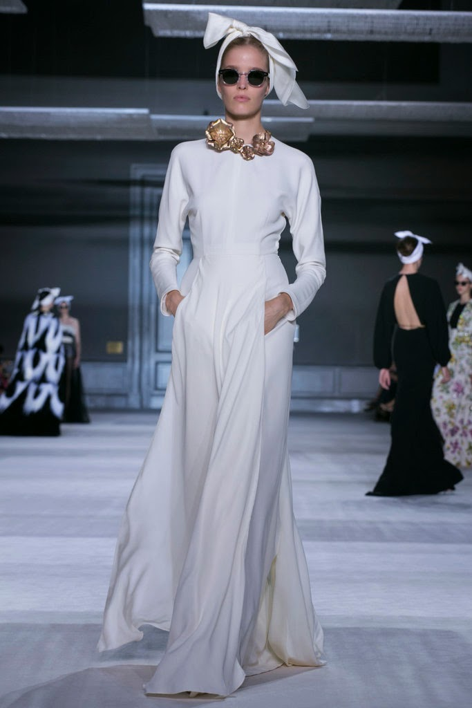 Giambattista Valli couture fashion show