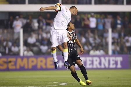 Léo em Santos x Corinthians 2013
