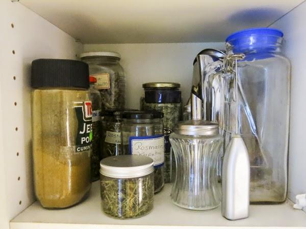 kryddskåp, kryddor