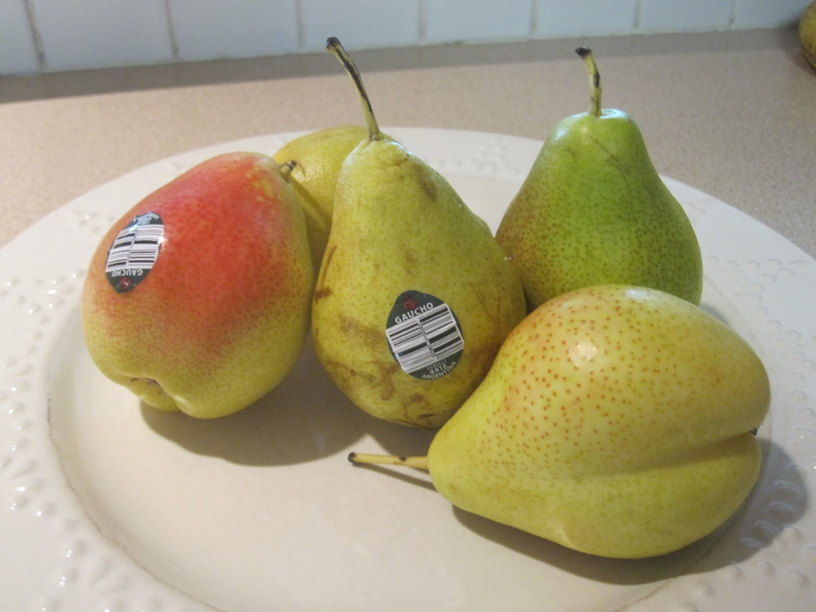 Seven different pears 46