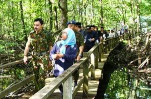 His Royal Highness The Crown Prince Haji Al Muhtadee Billah of Brunei Darussalam at pulau selirong
