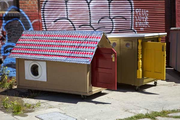 I've Seen People Turn Garbage Into Some Cool Stuff. But THIS…. This Is Absolute Brilliance. - a homeless woman know well