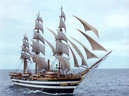 Америго Веспуччи - один из самых больших парусников в мире, который был построен на судоверфи недалеко от Неаполя в...
