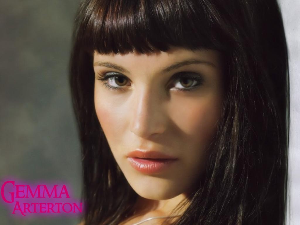 http://2.bp.blogspot.com/-_zR4T2rsRak/T51d5qVeYSI/AAAAAAAABH0/dooABHfCTeo/s1600/Gemma+Arterton+wallpapers+2.jpg