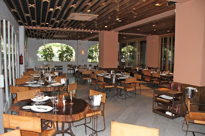 Sala restaurante Rubaiyat de Madrid. Blog Esteban Capdevila