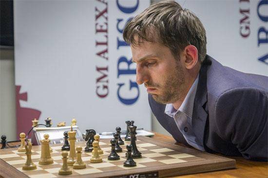 Ronde 3: Le joueur d'échecs russe Alexander Grischuk se demande encore comment il a pu perdre simplement un pion © Chess & Strategy