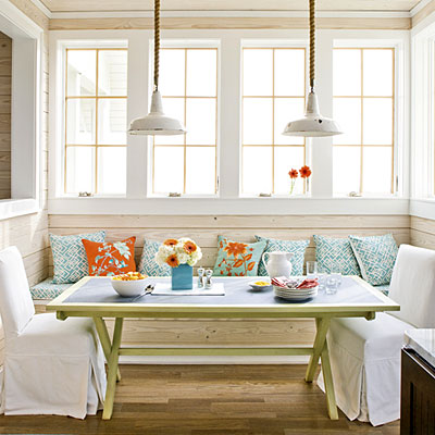 Breakfast_Nook_Bench_Seating http://decorscoop.blogspot.com/2012/06/breakfast-nooks-kitchen-bench-seats.html