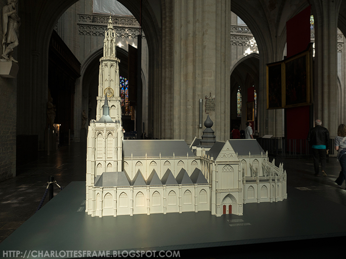mock up of the cathedral of our lady, miniatuur van onze lieve vrouwekathedraal