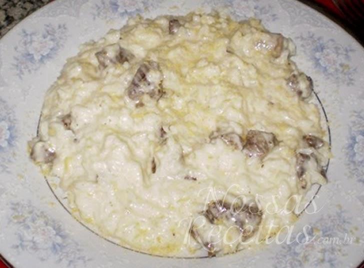 Receita de Arroz de queijo preparado com carne de sol