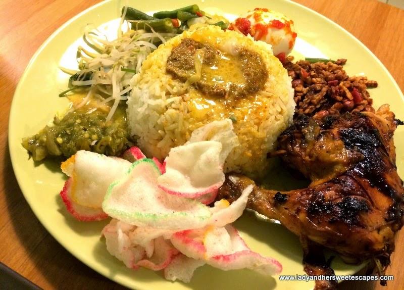 Nasi Padang in Betawi Karama