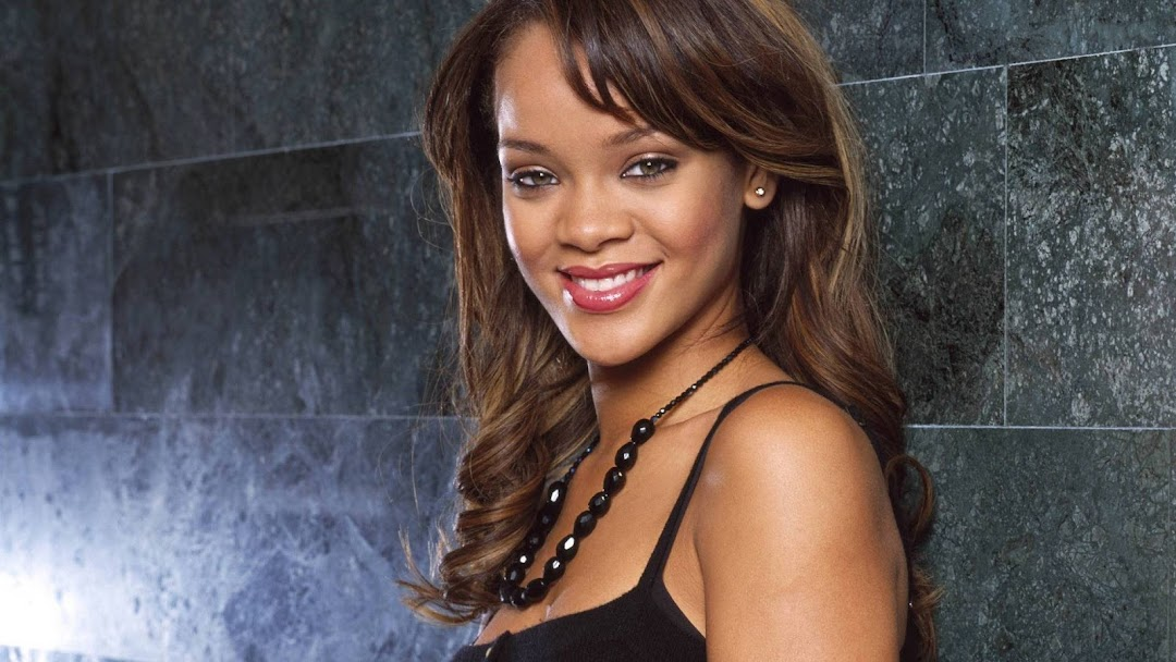 Rihanna HD Wallpaper 7