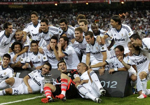 Real Madrid players celebrate the championship 2012