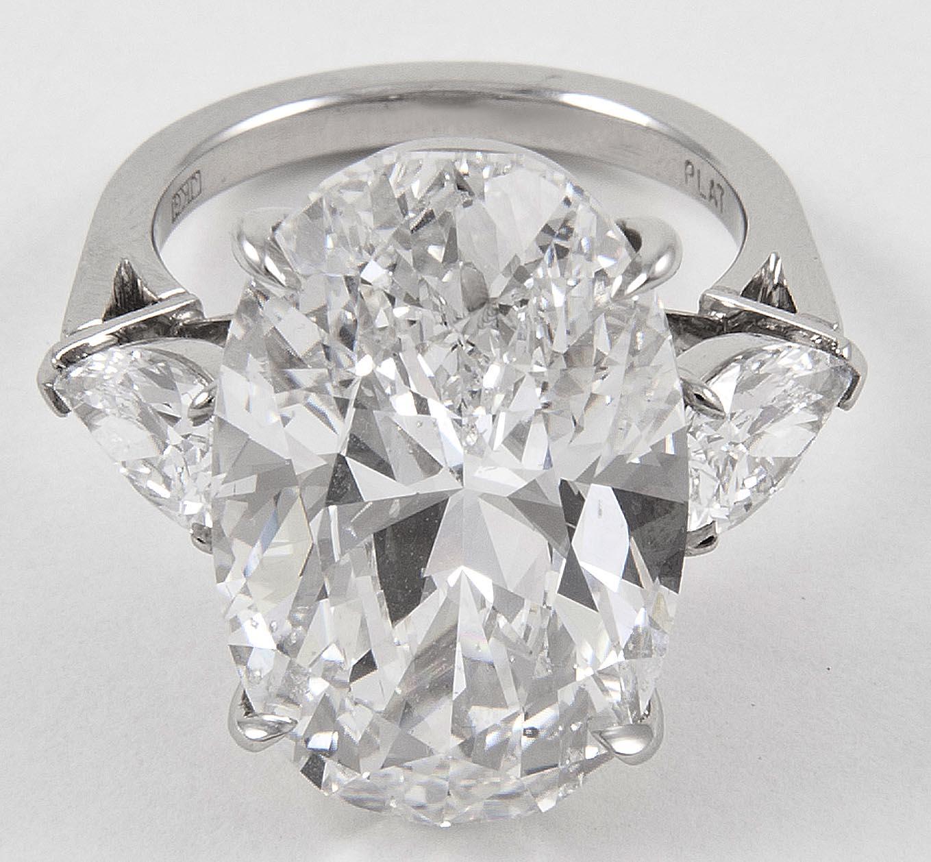 http://2.bp.blogspot.com/-a-csI5x7k8s/UFqsQzNKdCI/AAAAAAACiAY/YdkMFa1DL5Q/s1600/Forevermark+diamonds+ryan+reynolds.jpg