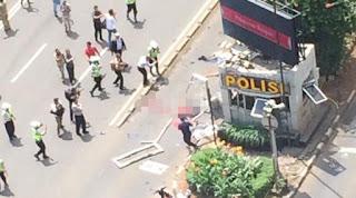 Foto Baku Tembak dan Bomb Sarinah