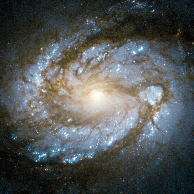 Core of Spiral Galaxy M100 in Super High Resolution!