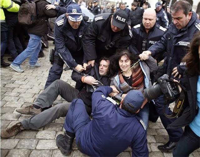 Протести на студентите - снимки